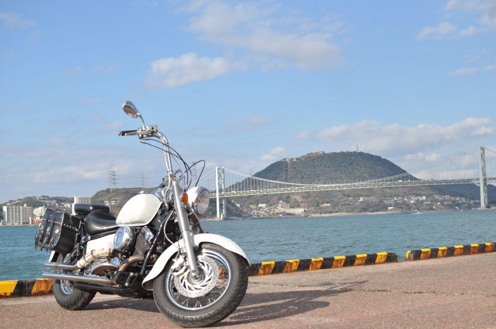 バイクのマフラーを交換する。印象と排気音がガラリと変わる楽しみ。